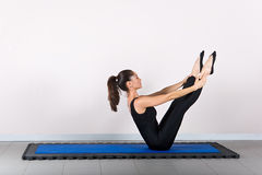 Pilates de la gimnasia Foto de archivo libre de regalías