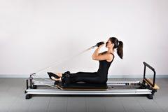 Pilates de la gimnasia Fotos de archivo