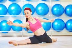 Pilates que estica exercícios Imagens de Stock