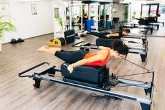 Pilates-Turnhalle Lizenzfreie Stockbilder