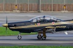 Pilatus PC-9M выдвинуло военные воздушные судн тренера HB-HPJ стоковое изображение