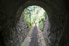 Поезд Pilatus держателя Pilatus на швейцарских горных вершинах Стоковые Фотографии RF