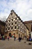 Pilatushaus à colombage sur la place de Beim Tiergartnertor à Nuremberg, Allemagne photographie stock libre de droits