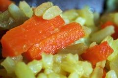 Pilau com o close up pronto para comer das cenouras foto de stock