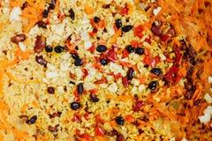 Pilau de Bulgur com feijões, bérberis, paprika, alho e especiarias Foto de Stock
