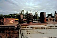 Pilbåge av ett gammalt rostigt skepp Royaltyfri Bild