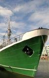 Pilbåge för skepp` s i hamnen Arkivfoto