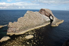 Pilbåge Fiddle Rock Scotland Arkivbilder