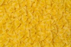 Pilbåge formad pasta Royaltyfri Bild