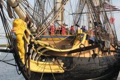 Pilbågen av den högväxta skeppfranskafregatten Arkivfoton