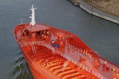 Pilbåge av en tankfartyg Arkivbild