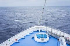 Pilbågen av ett kryssningskepp Royaltyfria Bilder