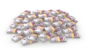 Pile énorme des 500 euro factures aléatoires sur le blanc Photographie stock