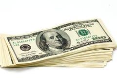 Pile épaisse de factures de cent-dollar d'isolement Images stock