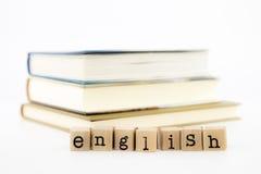 Pile anglaise de mots sur des livres photographie stock