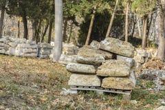 Pile carrée de dalles en pierre Photos libres de droits