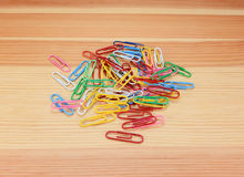 Pile of coloured paper clips Royalty Free Stock Images