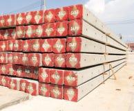Pile concrète de poteau sur le chantier de construction Photos stock