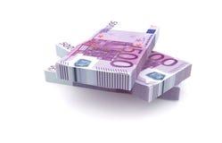 Pile d'argent de 500 euros d'isolement sur le fond blanc Photos libres de droits