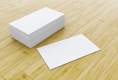 pile 3d de cartes de visite professionnelle vierges de visite sur la table en bois Illustration Stock