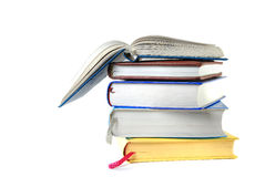 Pile d'isolement des livres Photographie stock libre de droits
