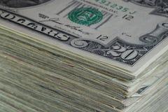 Pile d'utilisé vingt 20 billets d'un dollar Images stock