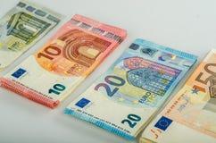 Pile de beaucoup d'euro billets de banque images libres de droits
