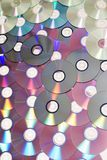 Pile de beaucoup de Cd ou de DVDs Images stock