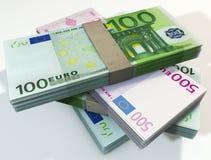 Pile de billets de banque d'euros image stock