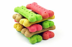 Pile de biscuits de chien colorés Photographie stock libre de droits