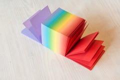 Pile de blocs-notes collants photographie stock