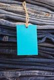 Pile de blues-jean comme fond ou texture Image libre de droits