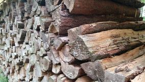 Pile de bois de chauffage Photo stock