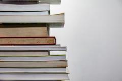 Pile de Boks à un arrière-plan blanc Photo libre de droits