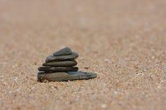 Pile de caillou sur la plage Photos stock