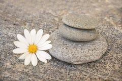 Pile de cailloux en pierre Photo libre de droits