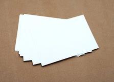 Pile de cartes de visite professionnelle blanches vierges de visite Photo libre de droits
