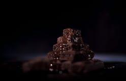 Pile de chocolat noir de pore Photos stock