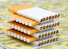 Pile de cigarettes Photographie stock libre de droits