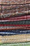 Pile de couvertures faites main colorées photo libre de droits