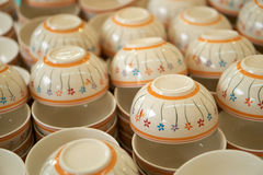 Pile de cuvette en céramique images stock