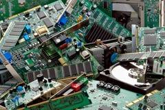 Pile de détritus des pièces jetées d'ordinateur Images libres de droits