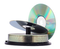 Pile de disques Cd d'isolement sur un fond blanc Image stock