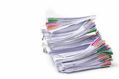 Pile de documents d'isolement sur le blanc Image libre de droits