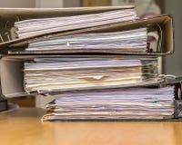 Pile de fichiers papier Photos stock