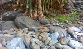 Pile de fin de roche de montagne vers le haut de tir Nature, géologique et minéral photos stock