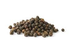 Pile de grain de poivre aromatique entier photos libres de droits