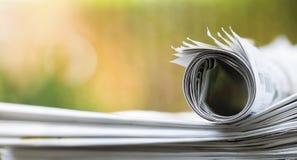 Pile de journal, concept d'actualités de matin images libres de droits