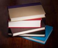 Pile de livres de livre À couverture dure Photo stock