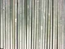 Pile de long côté de planches verticalement Photos libres de droits